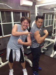 春日井トレーナーの筋肉