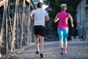 ジョギング中のカップル